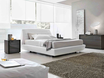 Tomasella Seville leather bed