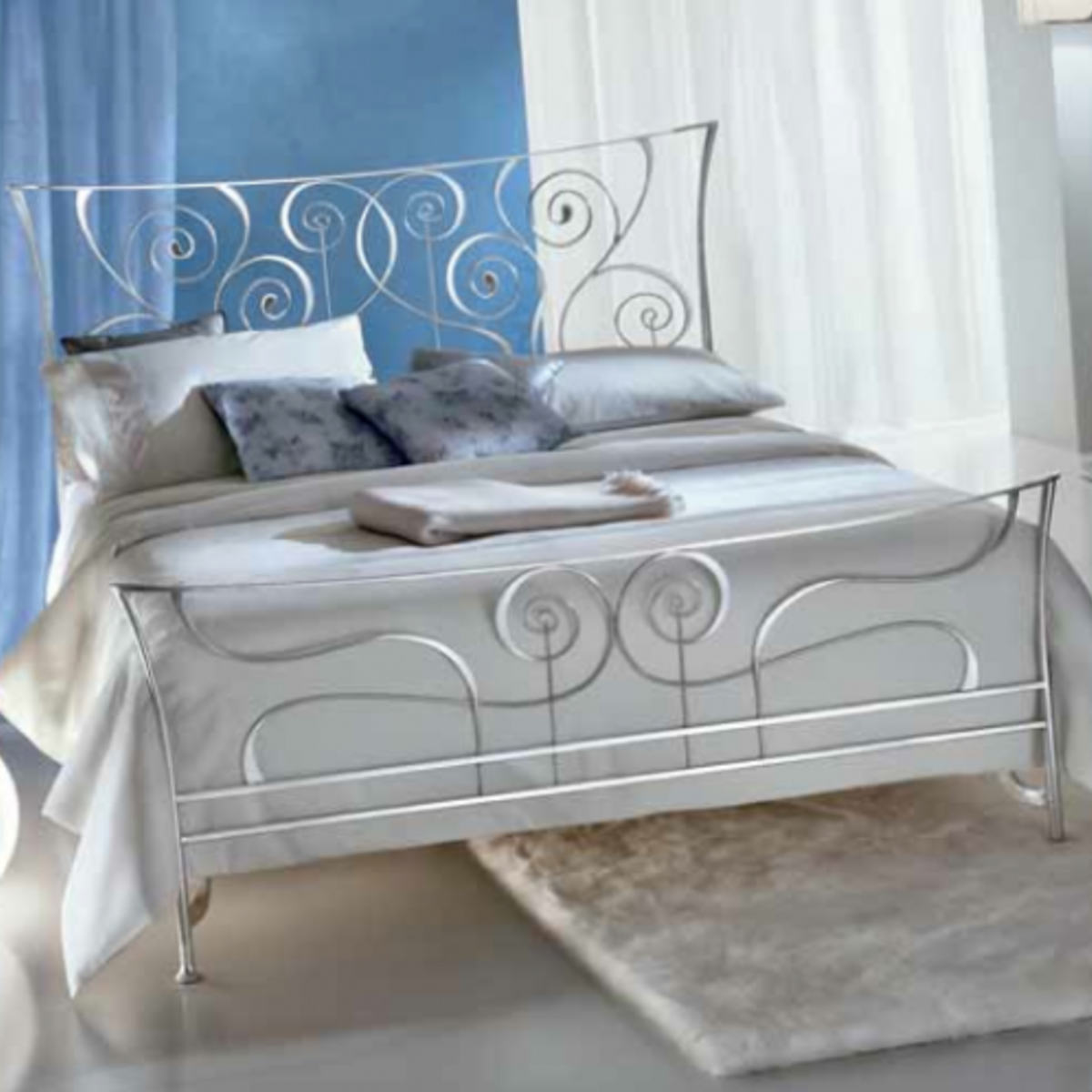 Picture of: Ciacci 1011 Brigitte Silver Leaf Bed Italian Designer Metal Beds Robinsons Beds