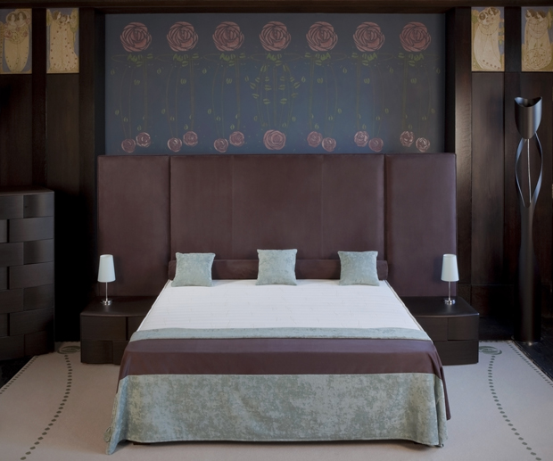 Continental Bespoke Panelling Bed