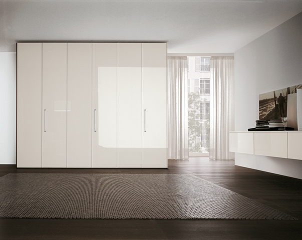 Tomasella Liscia glossy white wardrobe