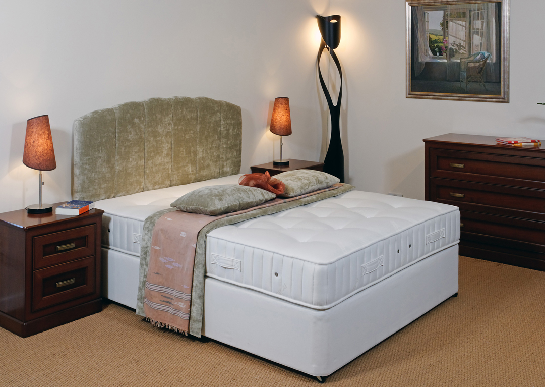 Picture of: Single Divan Beds At Trade Prices Buy Direct Robinsons Beds