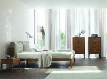 Zanette Milano walnut and leather bed