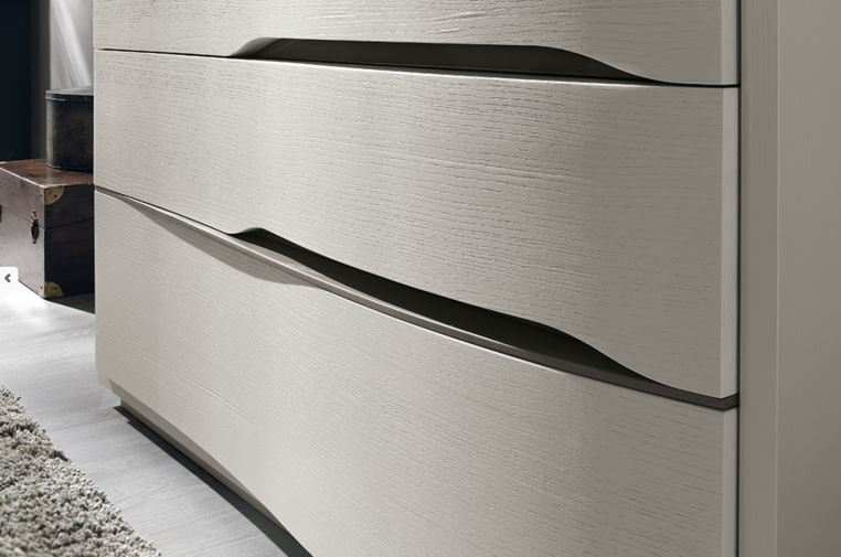 Large Curved Front Chests Of Drawers Robinsons Beds
